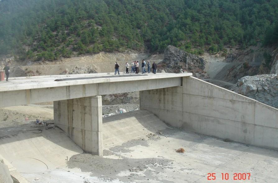 Dodurga Barajı Dolusavak Köprüsü